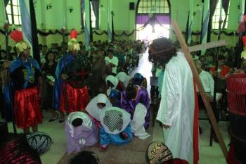 KEMATIAN YESUS HAPUSKAN DISKRIMINASI MANUSIA – Kebaktian Jumat Agung GMIT Kota Kupang