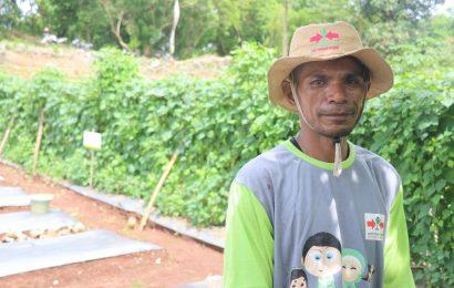 Sopir Banting Setir Jadi Petani