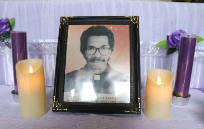 Mendiang Pdt. Emr. Yesaya Sabuna, Sekretaris Terbaik GMIT dimakamkan