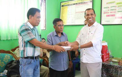 12 Sekolah GMIT di Rote Terima Bantuan Pendidikan