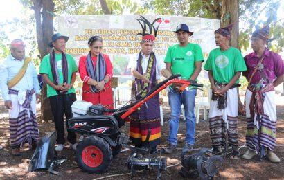 Dinas Pertanian Provinsi Sumbang Kultivator Untuk Kaum Bapak GMIT Oemathonis Noelsinas