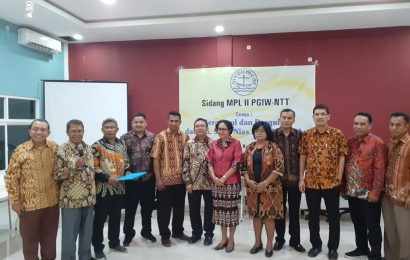Pdt. Dr. Mery Kolimon Terpilih Menjadi Ketua PGIW NTT 2019-2024