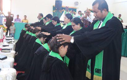 8 Vikaris GMIT Ditahbiskan Menjadi Pendeta