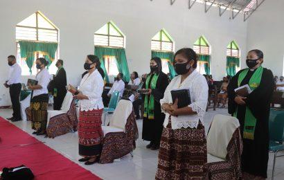 Hari ini 22 Vikaris Ditahbiskan Dalam Jabatan Pendeta GMIT