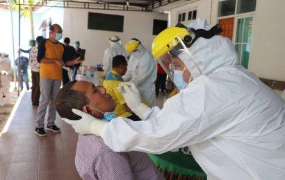 Karyawan Kantor Sinode GMIT dan Pendeta se-Klasis Kota Kupang Ikut Swab PCR