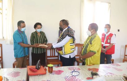 Vice Minister of Public Works and Public Housing (PUPR) Visits GMIT's Cyclone Seroja Synod Emergency Response Post