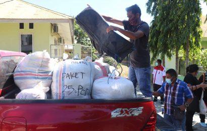 Tim Tanggap Bencana Siklon Seroja MS GMIT Salurkan 1.164 Pasang Seragam Sekolah