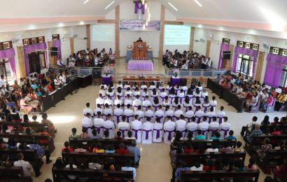 66 Calon Anggota Sidi Jemaat Galed Kelapa Lima Diteguhkan