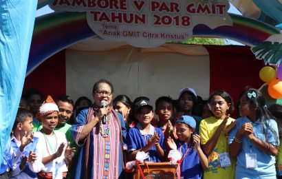 Buka Kegiatan Jambore PAR Sinode GMIT, Menteri Yohana Yembise Serukan Hentikan Kekerasan Anak