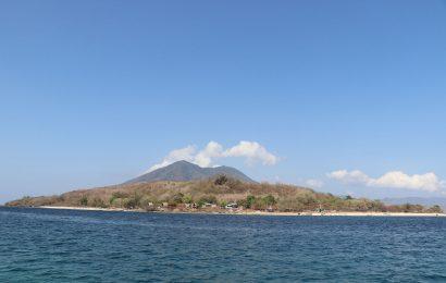 Bukit Mas, Pasir Tiga Warna dan Pantai Air Panas (bagian I)