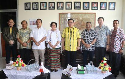 Agung Laksono, Ketua Dewan Pakar DPP Golkar Bertemu Majelis Sinode GMIT