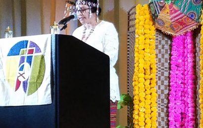 Pendeta Mery Kolimon Dapat Penghargaan Dari Global Ministries