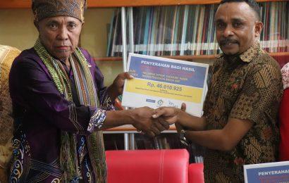 Pemegang Hak Ulayat Lokasi Tambak PT Garam di Bipolo Dukung Dana Pendidikan GMIT