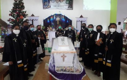 Pendeta Betsy Erliana Ndolu Tutup Usia