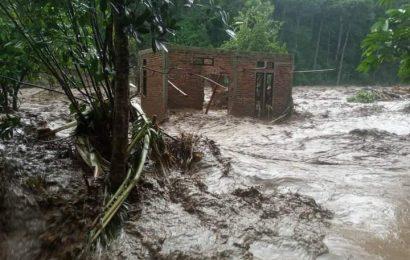 Cerita Pdt. Niko Selan Tentang Kronologi Bencana di Pido-Alor: Jemaat Berlinang Air Mata Membaca Mazmur 23