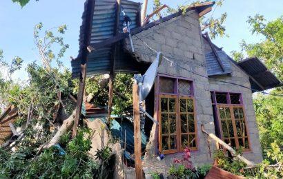 Ribuan Rumah Rusak, Warga Rote Ndao Butuh Material Bangunan dan Sembako